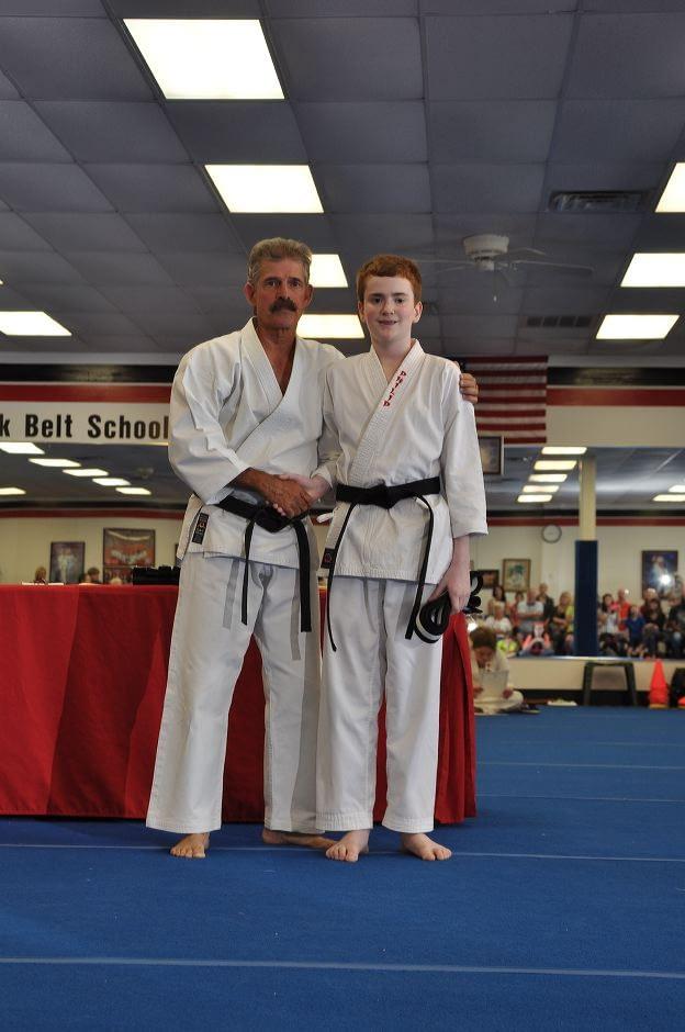 black-belt-graduation-2015-05-09_015