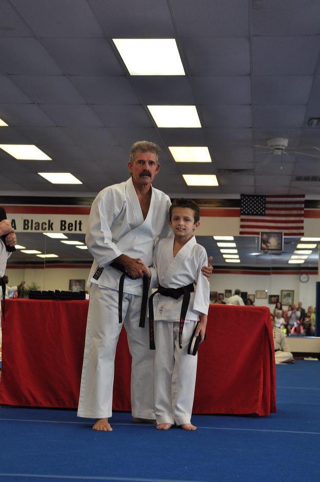black-belt-graduation-2015-05-09_018