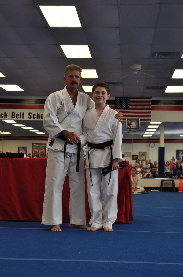 black-belt-graduation-2015-05-09_016