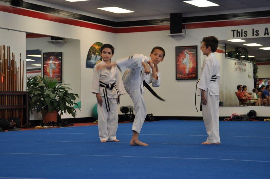black-belt-graduation-2015-05-09_007