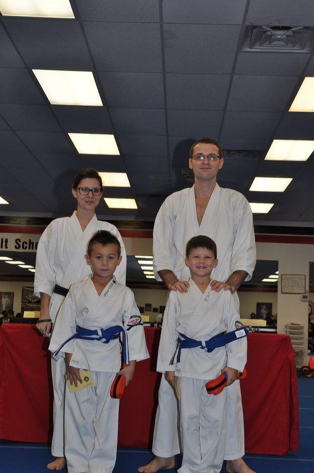 karate-graduation-2015-10-09_003