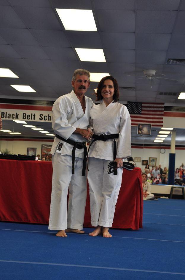 black-belt-graduation-2015-05-09_017