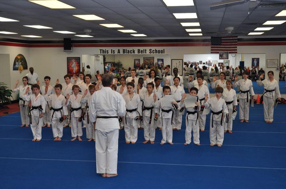 black-belt-graduation-2015-05-09_021
