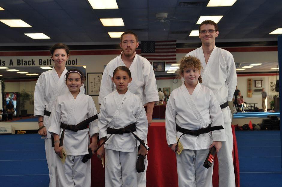 karate-graduation-2015-06-12_009