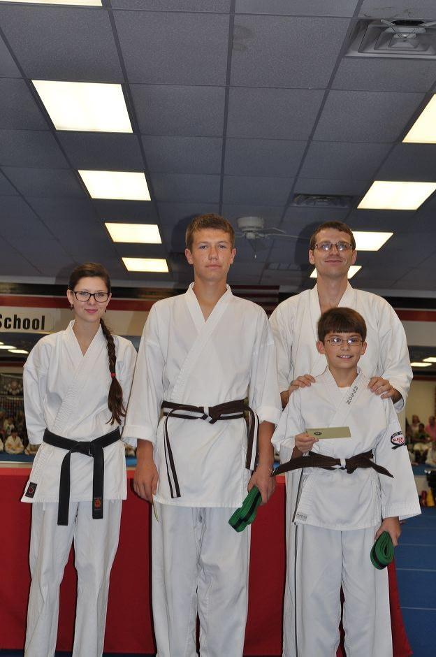 karate-graduation-2015-09-11_021